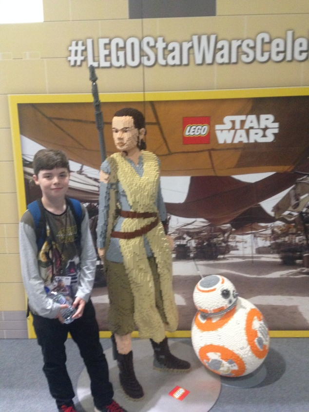 Rey and BB8 in Lego